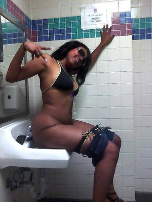 black girl selfie nude