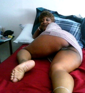 thick ebony mature