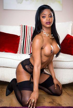 african women nude