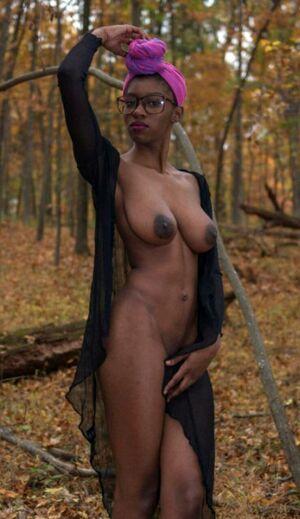ebony mature porn tube
