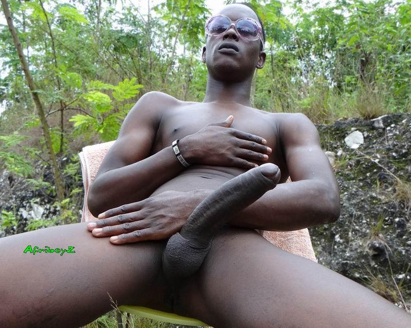 African Amateur Tests A Big Black Cock