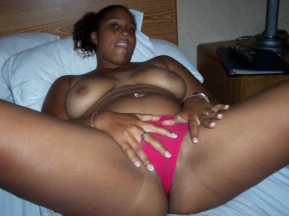 Sexy nude thick black woman