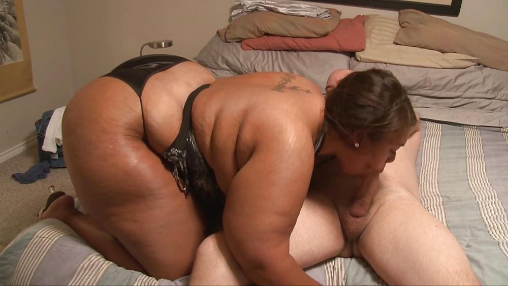 Ebony Black Granny Big Booty Creampie