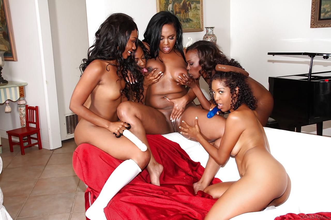 Orgia De Negras