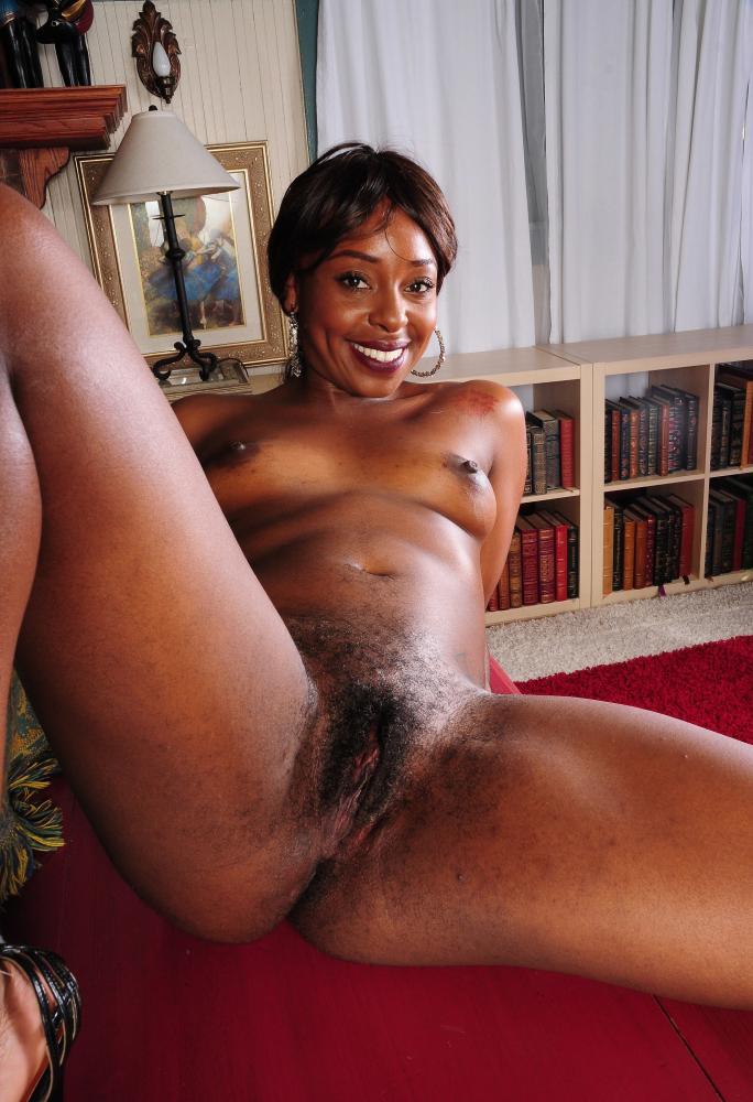 Sexy Older Ebony Nude