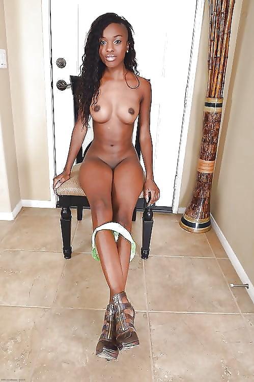 Sexy ebony women nude pics