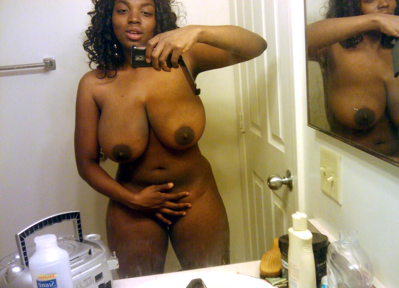 Milf Pornstar Rebeca Linares Takes Off Her Amazing Black Milf
